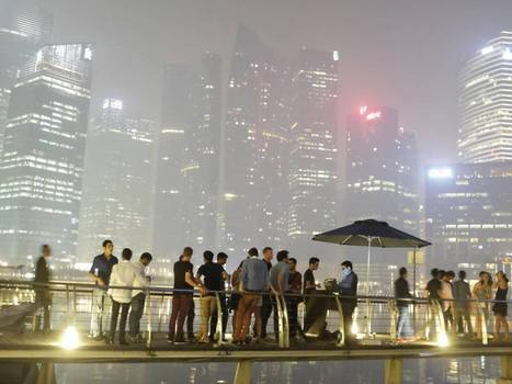 'The smog could last for weeks': Masks become a sudden necessity in Singapore's unhealthy haze   Sustain Our Earth   Scoop.it