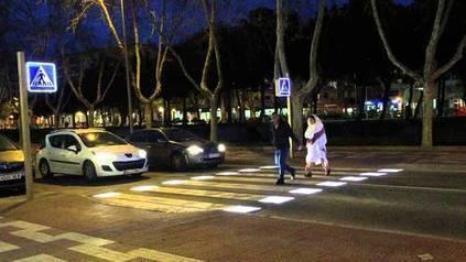 Más seguridad en las ciudades con los pasos de peatones inteligentes: | La ciudad y sus bienes comunes | Scoop.it