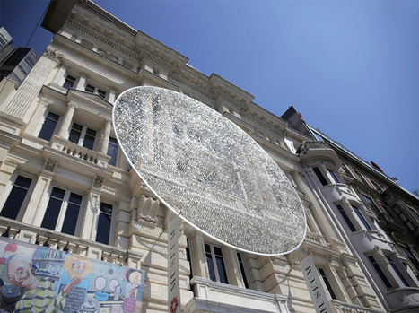 artists sculpt shimmering disk in istanbul with 14,000 eyeglass lenses | barcelona mix-web | Scoop.it