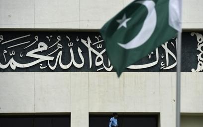 Saudi request for help in Yemen sparks political crisis in Pakistan   Al Jazeera America   Upsetment   Scoop.it
