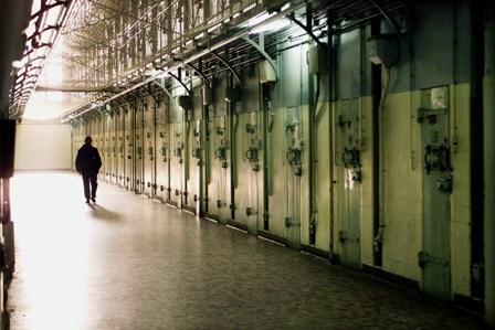 La semi-liberté, une alternative pour réapprendre à vivre après la prison ? - Contre le tout carcéral - Basta ! | (R)évolutions de la société | Scoop.it