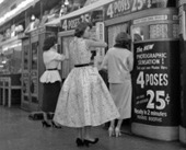 Compelling Snapshots of New York City Life during the 1950s - Flavorwire | 1950's | Scoop.it