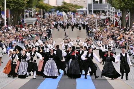 Le fest-noz inscrit au patrimoine immatériel de l'Humanité | bretagnequimperle | Scoop.it