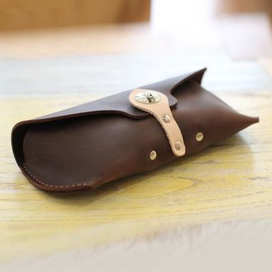 handmade leather sunglass case in dark brown by Ubackpack | Collection of backpack | Scoop.it