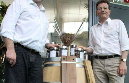 Deux amis mettent du bois dans leur vin - Charente Libre | Vin passion | Scoop.it