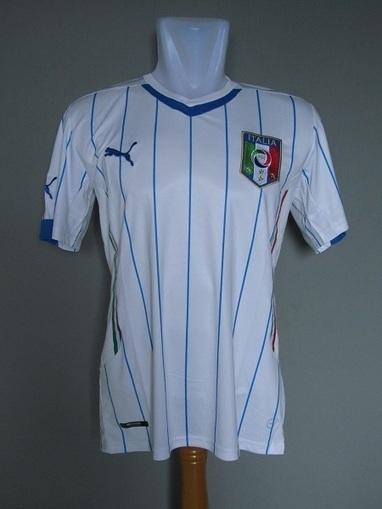 Jual Jersey Italy Away 203 2014 | Jersey Bola Grade Ori | Baju Bola | jersey | Scoop.it