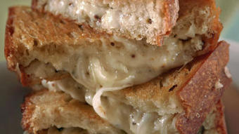 It's National Grilled Cheese Day! 12 ultimate grilled cheese recipes - Los Angeles Times   MyRecipes   Scoop.it
