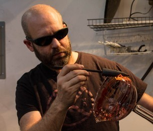 East Falls artist hopes to incorporate more fine art into his glass work  — NewsWorks | Temple University Department of Journalism Student Work | Scoop.it