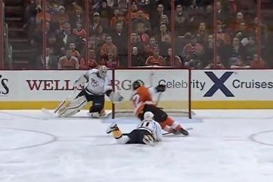 Video: Ice hockey goalie makes incredible diving save | JOE.ie | Hockey | Scoop.it