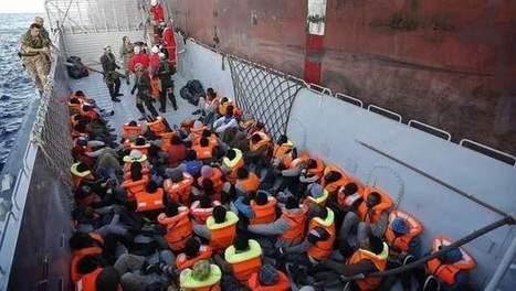 Weer honderden vluchtelingen van zee gehaald nabij Lampedusa   Vluchtelingen en Asielzoekers in Europa   Scoop.it
