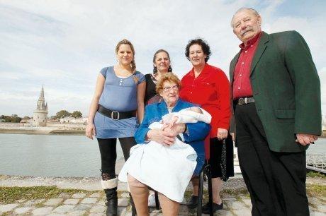 La Rochelle : une famille de six générations, qui dit mieux? | Rhit Genealogie | Scoop.it