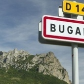 Bugarach, terminus de la folie médiatique - Slate.fr   Apocalypse 2012 par CASA   Scoop.it