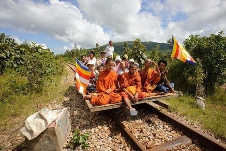 Cambodia's Rickety Bamboo Trains | Strange days indeed... | Scoop.it