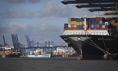 Fall in UK exports deals blow to George Osborne's rebalancing hopes | Macroeconomic News for A-level Students | Scoop.it