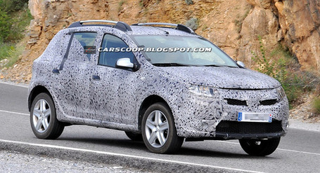 Sandero Dacia Stepway 2013 on Spy Shots  2013 Dacia Sandero Stepway Is A Junior Duster