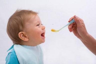 Thời điểm phù hợp để bé ăn dăm | Tư vấn tâm lý | Scoop.it