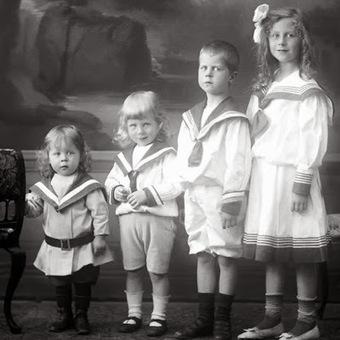 Les Petites Mains, histoire de mode enfantine: La vêture des Enfants trouvés (5) – les enfants en robe | Théo, Zoé, Léo et les autres... | Scoop.it
