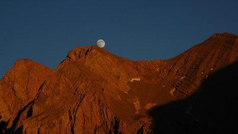 Lever de lune sur le massif du Cotiella - Tatianna Doy | Vallée d'Aure - Pyrénées | Scoop.it