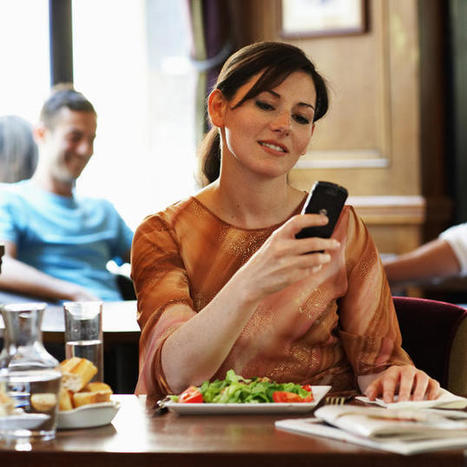 Hand over your phone when you enter the restaurant? No thanks | SocialMediaRestaurants.com | Scoop.it