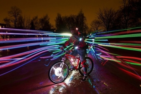 'Ghost Peloton', A Stunning Public Art Performance of LED-Lit Cyclists and Dancers | flânerie | Scoop.it