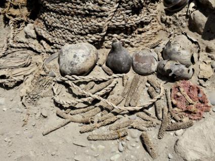 Hallan dos momias milenarias en un cementerio preincaico de Perú | Materiales didácticos para Historia en Secundaria y Bachillerato | Scoop.it