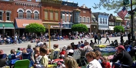 What is a livable community, anyway?   Revitalizar espaços públicos. Imagens e textos que ilustram condições existentes e visão de comunidade, para recriar ou criar espaços amigáveis, melhorando a qualidade de vida, saúde e vitalidade econômica.   Scoop.it