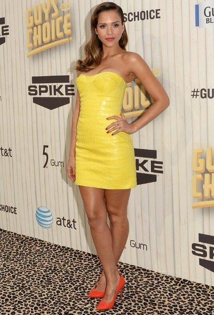 Jessica Alba in Versace: 2013 Spike TV's Guys Choice Awards | Celebrity Fashion News | Scoop.it
