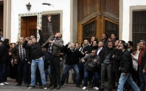 Revelers Throw Dead Rats at Each Other as Part of Bizarre Spanish Festival | Strange days indeed... | Scoop.it