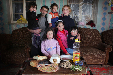 7 photos that reveal what families eat in one week | Oxfam America First Person Blog | Their own class and family groups. | Scoop.it