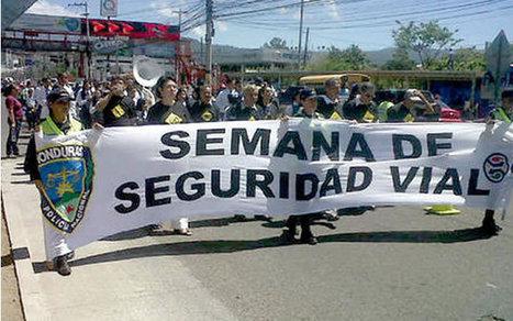 Escolares capitalinos marchan por seguridad vial - La Prensa de Honduras | Cultura vial | Scoop.it