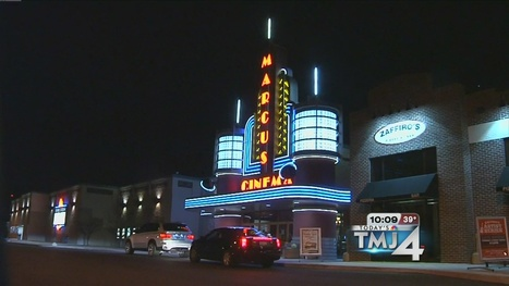 Teens, moms flock to theaters for opening of final Twilight movie - Today's TMJ4 | Social Media Teen Idols | Scoop.it