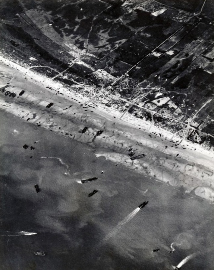 12 Amazing Aerial Photographs of D-Day | D-Day 1944 e-Mag | Scoop.it