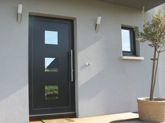 Quel matériau pour sa porte d'entrée ? | Avis Serplaste | Scoop.it