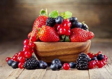 Don't throw away your mushy berries   Your Beauty Advisor   Scoop.it