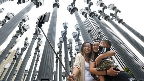 Museums embrace 'iconic selfie moments' to drive younger visitors | Bib & numérique | Scoop.it