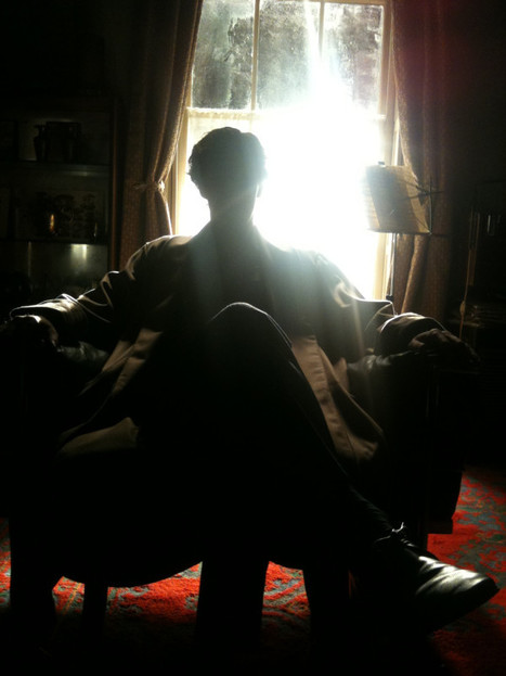 Sherlock relaxes upstairs at 221B Baker Street as filming on series three takes a break | ADDICTED TO BEN | Scoop.it