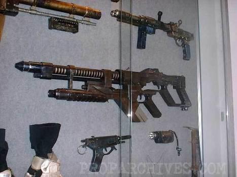 La police Australienne arrête pour trafic d'armes un fan du film Alien pour avoir importer des répliques d'armes du film   Mais n'importe quoi !   Scoop.it