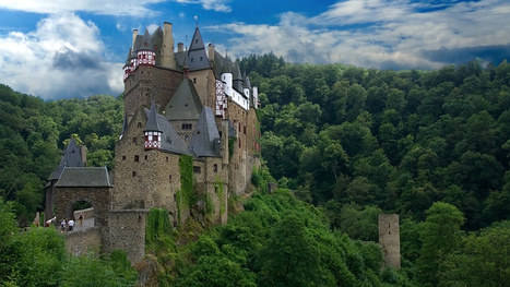 Wonderful Castles and Mansions That Are Haunted by Tragic Ghosts | paranormal activity anywhere | Scoop.it