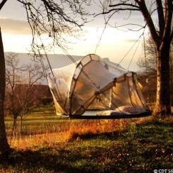 Passer une nuit dans une tente suspendue : 30-05-2012 – Dkomaison   le cottage landais: en osmose avec la nature   Scoop.it