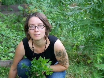 Garden Guru Gayla Trail Talks Small-Space Gardening, Herbs, and Edible Flowers (Interview) | Vertical Farm - Food Factory | Scoop.it