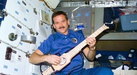 Chris Hadfield Returns Creating a First Music Video In Space | iGeneration - 21st Century Education | Scoop.it