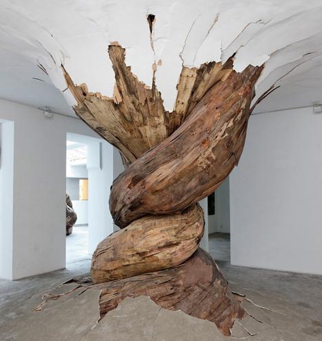 amoebic sculptures of henrique oliveira | IndoorInstallations | Scoop.it