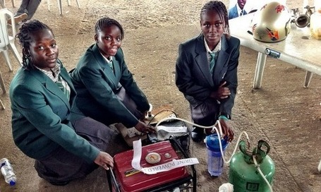 Teenagers in Africa Create Electricity Generator That Runs on Urine : | News You Can Use - NO PINKSLIME | Scoop.it