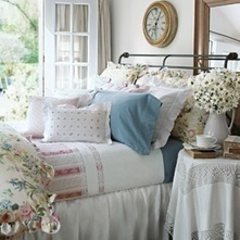 Country Style Bedding - Shabby Chic Bedding - Country Cottage Bedding - Colonial & Traditional Bedding | Country Living | Scoop.it
