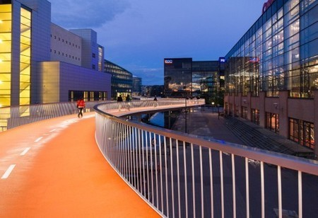 Bicycle Snake / DISSING+WEITLING Architecture | ArchDaily | Zero carbon buildings | Scoop.it