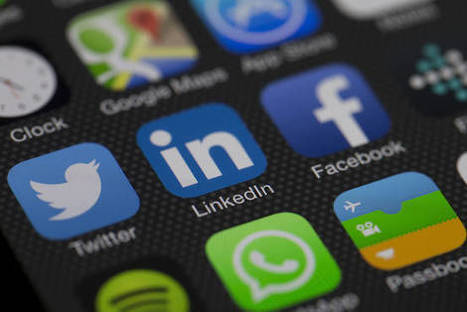 LinkedIn Revamps Mobile App to Boost Use - Wall Street Journal (blog) | iPhones and iThings | Scoop.it