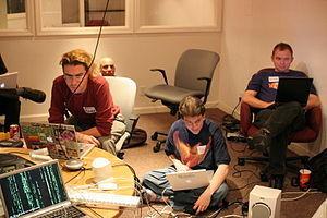FR: Qu'est-ce qu'un BarCamp ? BarCamp - Wikipédia | LinguaCamp | Scoop.it