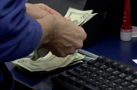 Can you be nudged into saving money? Some companies are banking on it - PBS NewsHour | OnBudget | Scoop.it