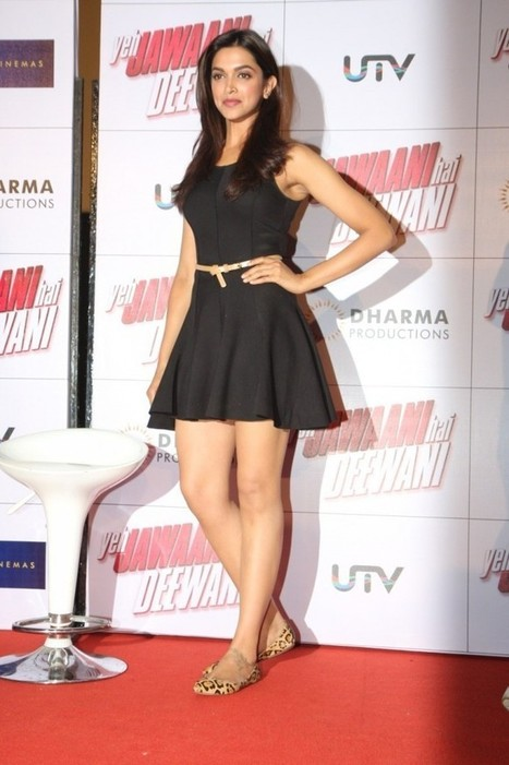 Passionate Long Legged Beautiful Actress Deepika Padukone leg Show in Black Mini Skirt IndianRamp.com, Actress, Bollywood, Western Dresses | Indian Fashion Updates | Scoop.it