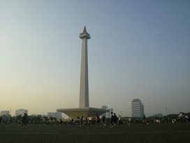 Sunday Morning at Monumen Nasional (Monas) - PIX - Pictures Around | Ahyar | Scoop.it